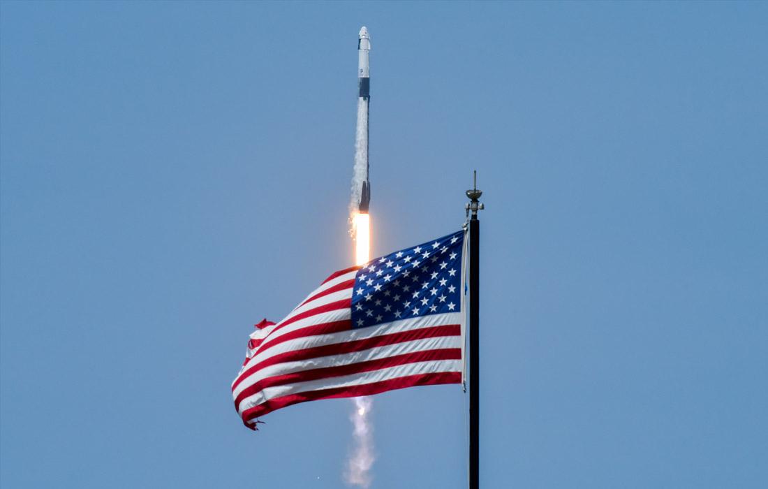 Запуск корабля Crew Dragon был осуществлен с помощью ракеты-носителя Falcon 9 с космодрома на мысе Канаверал в штате Флорида в 15:22 по времени Восточного побережья США (22:22 по московскому времени)