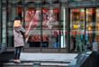 1 июня. В Москве в начале лета возобновляют работу торговые центры, гипермаркеты, стрит-ритейл, автосалоны и предприятия бытовых услуг.