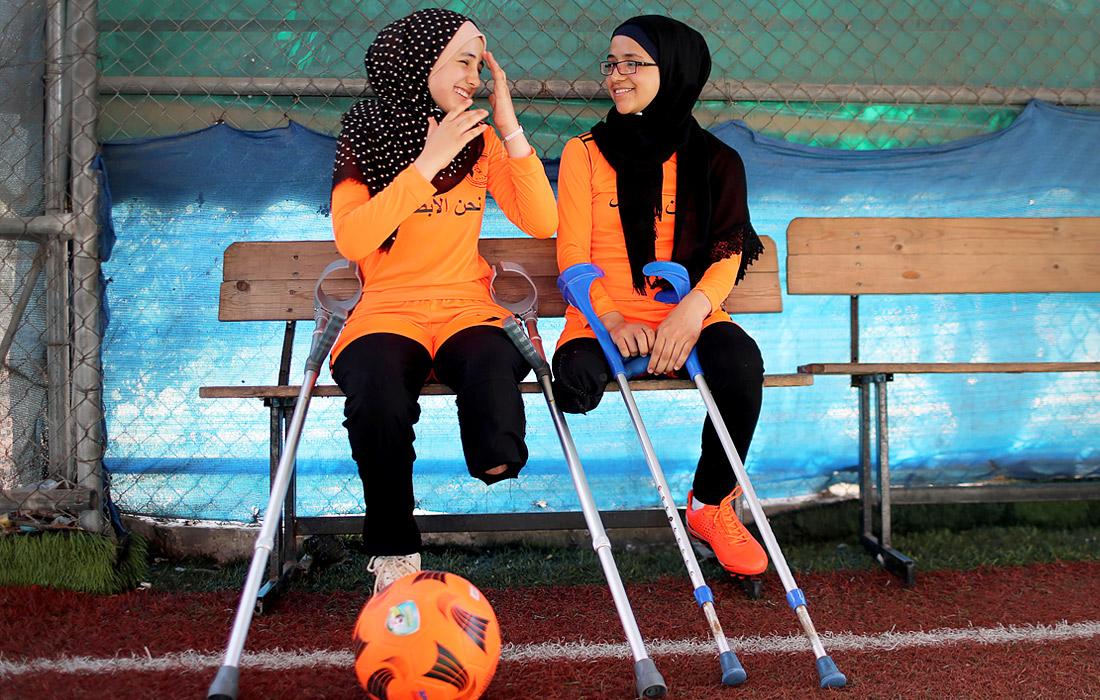 Во время футбольной тренировки, организованной Международным Комитетом Красного Креста, в секторе Газа