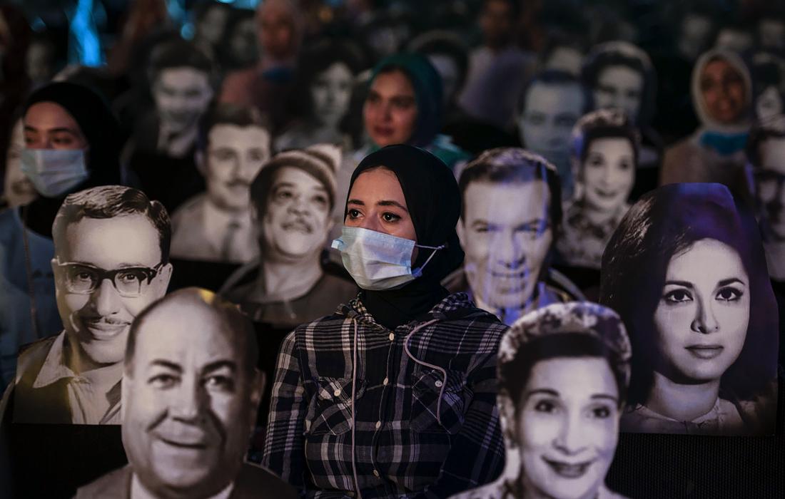 11 июля. Театр марионеток в Каире вновь начал давать представления, поместив в зале картонные фигуры для соблюдения зрителями социальной дистанции