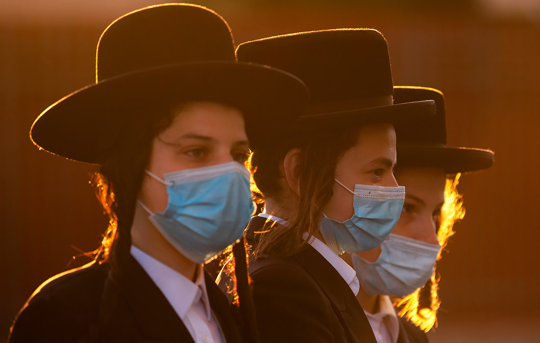 14 июля. Жители ультраортодоксальных районов Иерусалима вышли на акцию протеста против ужесточения режима самоизоляции.