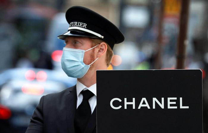 """Российская """"дочка"""" Chanel попала под проверку ФТС"""