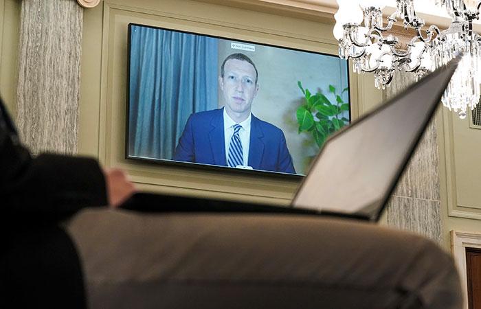 Цукерберг заявил, что Facebook не может пресечь вмешательство в выборы в США