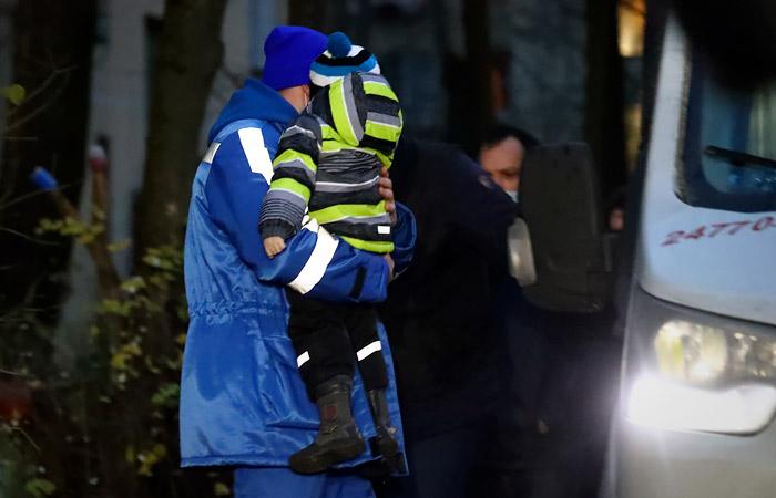 Захвативший в заложники своих детей петербуржец сдался полиции