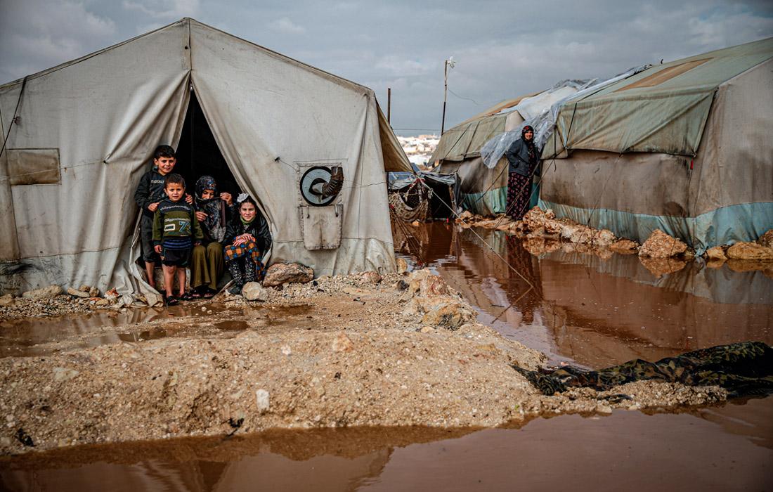 В провинции Идлиб в результате проливных дождей сильно затоплены лагеря беженцев из разных регионов Сирии