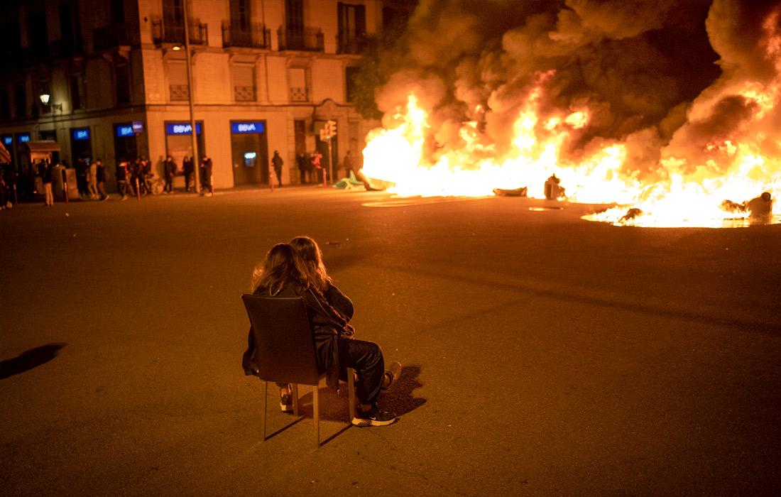 В Испании протесты против ареста рэпера переросли в беспорядки