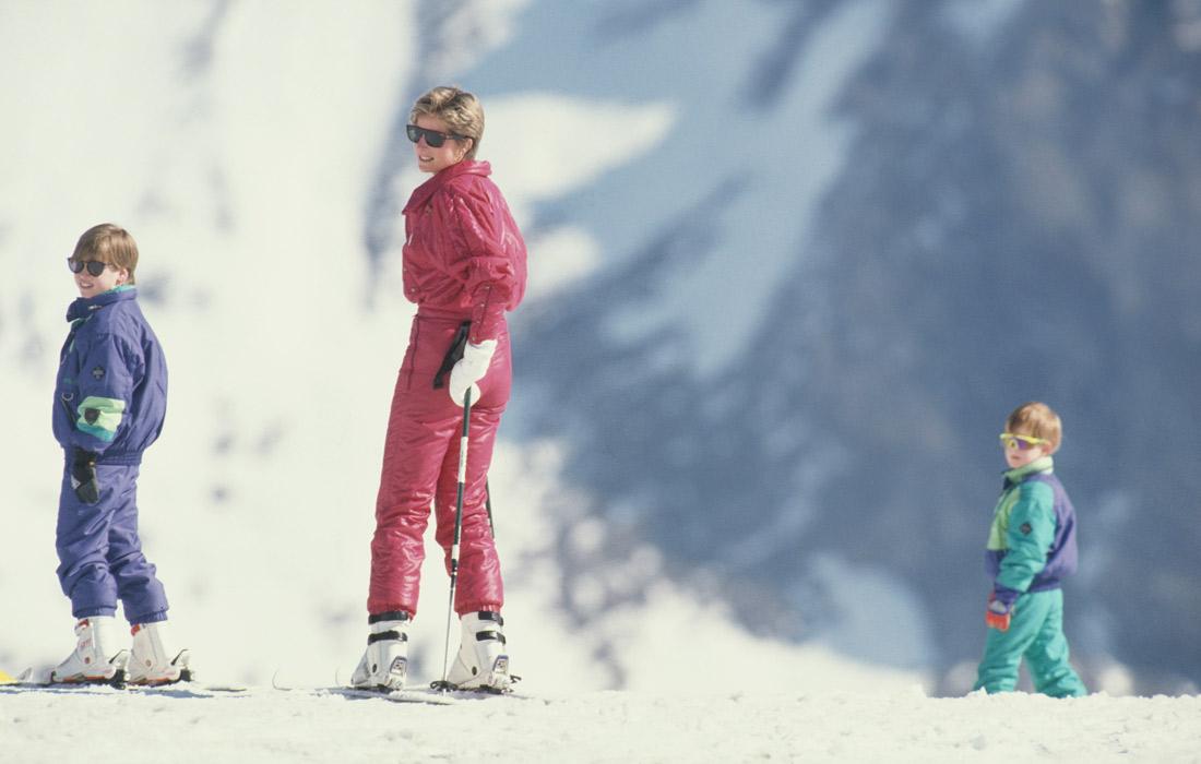 Диана с принцем Уильямом и принцем Гарри во время лыжного отдыха в Австрии. Апрель 1991 года.