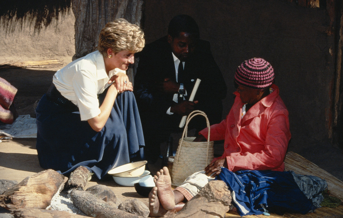 Принцесса Диана во время визита в Зимбабве. Июль 1993 года.