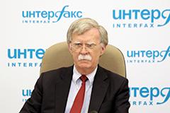 Трамп и Путин считают необходимым вести дискуссии по общим проблемам и выявлять области для сотрудничества - Болтон
