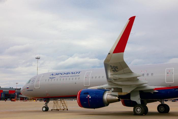 """Авиакомпания """"Аэрофлот"""" увеличила перевозки в ноябре на 13,8%, """"Россия"""" - на 1,2% - Росавиация"""