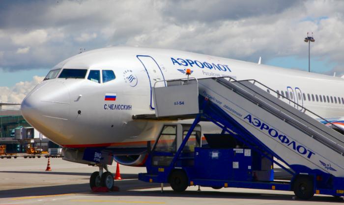 Аэрофлот не может конкурировать с иностранными авиакомпаниями по уровню зарплаты пилотов из-за девальвации - гендиректор