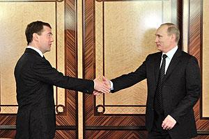 Медведев и Путин: два ответа на один вопрос
