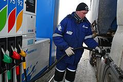 Бензин взялся за старое