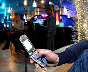 Почему по-русски SMS короче