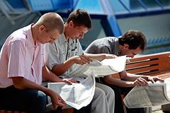 Август: удались доходы, розница и безработица