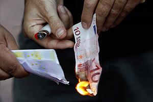 Греция проведет референдум по отказу от евро?