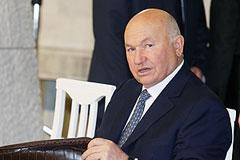 Лужков обещал вернуться