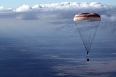 Экипаж МКС спустился на Землю