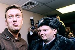 Яшин и Навальный остались сидеть