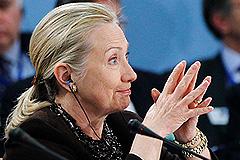 Клинтон настаивает на своем
