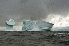 """""""Спарта"""" ждет спасения во льдах Антарктиды"""