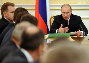 Путин распределил обязанности