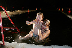 Крещение: купание и подарки
