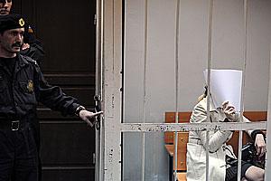 Дмитриеву отпустили по болезни