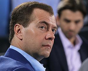 Медведев просит не передергивать