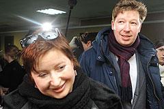 Слуцкер обвиняет Романову и Козлова