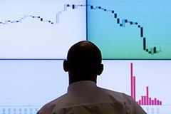 Инвесторы побежали из России и Индии