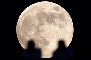 Роскосмос готовит полет на Луну