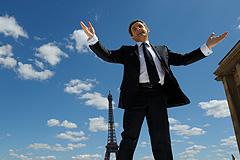 Саркози все еще отстает