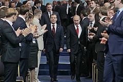 """Медведев возглавил """"единороссов"""""""