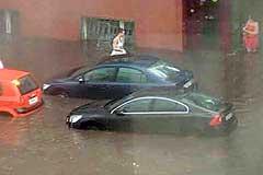 Московские улицы ушли под воду