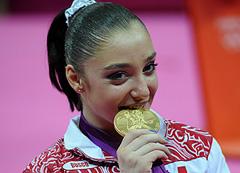 """Олимпийцы начали неделю с """"золота"""""""