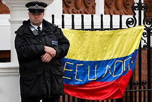 Эквадор решает судьбу Ассанжа