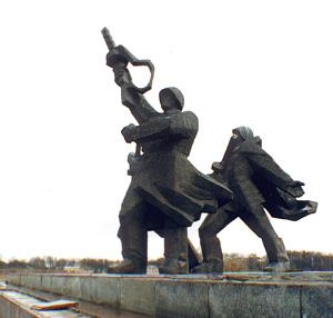 Рига хочет снести памятник советским солдатам