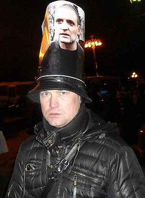 Помощника Пономарева ищут по всей стране