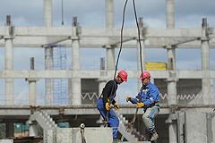 Россия поднялась на строительстве и налогах