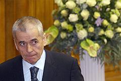 Онищенко разъяснят основы Конституции