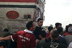 В Египте поезд столкнулся с автобусом