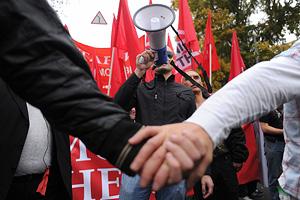 Абрамович занимает Москву для оппозиции
