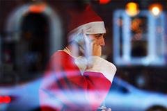 Россияне попросили бы у Деда Мороза BMW X5, на худой конец - Lada Priora