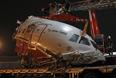 """По предварительным данным, причиной авиакатастрофы в московском аэропорту """"Внуково"""" могла стать техническая неисправность самолета Ту-204 и сложные погодные условия, сообщил """"Интерфаксу"""" источник в правоохранительных органах. По его словам, при этом рассматриваются и другие версии катастрофы, в том числе и человеческий фактор."""