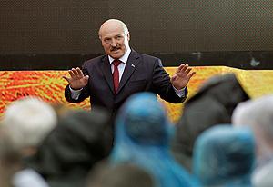 Лукашенко: про баян, винтовку и самолетики