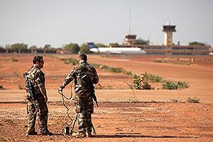Исламисты грозят взорвать заложников