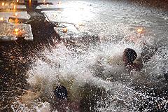 Крещение в Москве встретили спокойно