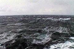 Моряков продолжают искать