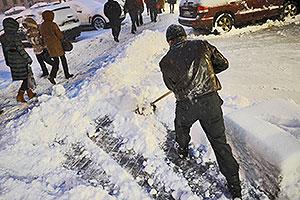 Из Москвы вывозят тонны снега